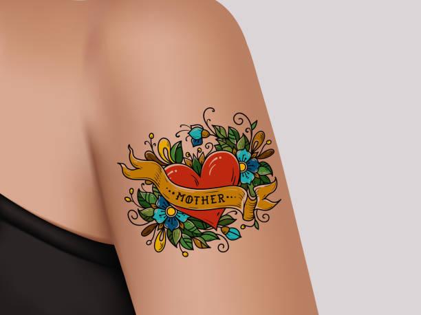 ilustraciones, imágenes clip art, dibujos animados e iconos de stock de tatuaje decorativo en brazo femenino. corazón con flores y cinta. tatuaje de madre. ilustración realista para el salón de tatuajes - tatuajes de corazones