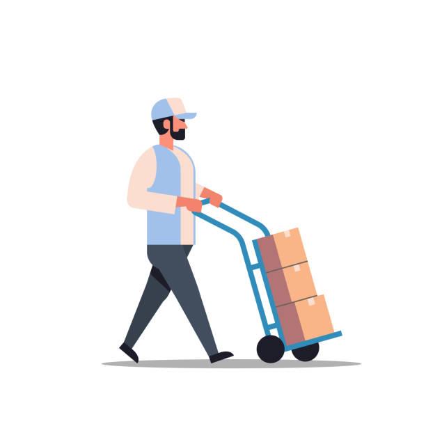 stockillustraties, clipart, cartoons en iconen met levering man rollen kartonnen doos cargo trolley pushcart courier uitvoering percelen aan kant truck magazijn werknemer mannelijke cartoon karakter volle lengte plat geïsoleerd - warenhuismedewerker
