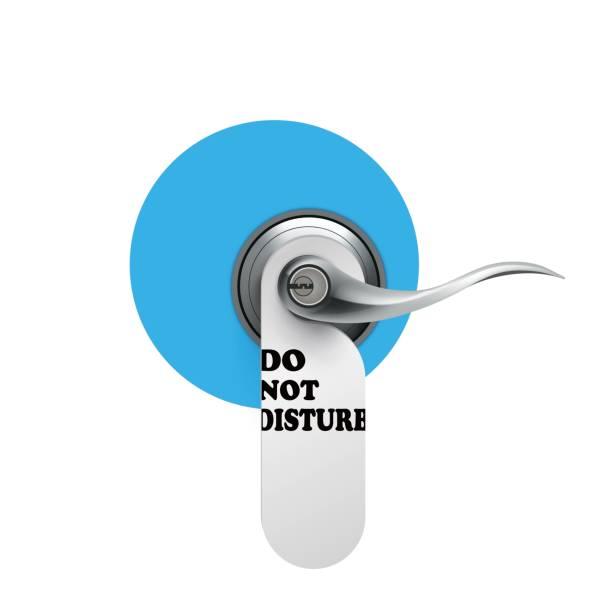 illustrazioni stock, clip art, cartoni animati e icone di tendenza di do not disturb hanging signs - cartello chiuso