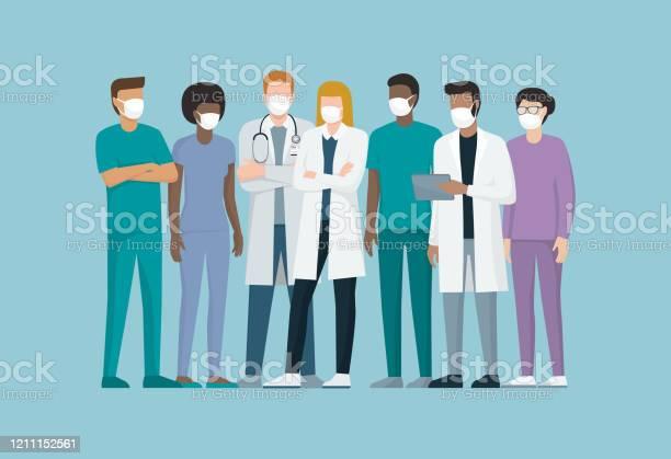 Läkare Och Sjukvårdspersonal Bär Kirurgiska Masker-vektorgrafik och fler bilder på Blandat ursprung