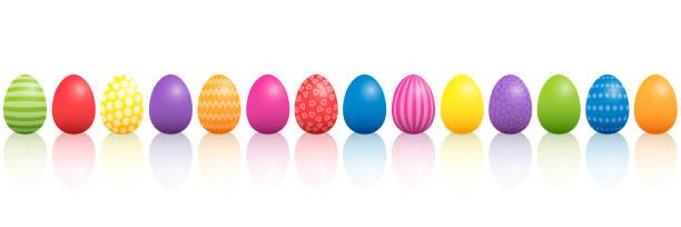부활절 달걀입니다. 다른 패턴으로 다채로운 혼합물을 줄지어. 흰색 배경에 고립 된 3 차원 벡터 그림입니다. - 부활절 달걀 stock illustrations