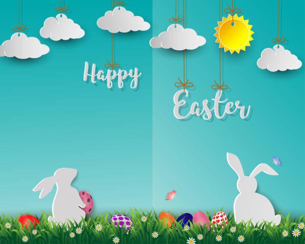 ostereier mit weißen kaninchen auf dem grünen rasen, niedliche papierkunst auf weichen blauen hintergrund für schöne ferien - frohe ostern stock-grafiken, -clipart, -cartoons und -symbole