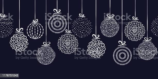 Vetores de Baubles Elegantes Do Natal Teste Padrão Sem Emenda Esferas Desenhadas Mãogrande Para Matérias Têxteis Papéis De Parede Convites Bandeirasprojeto De Superfície Do Vetor e mais imagens de Abstrato
