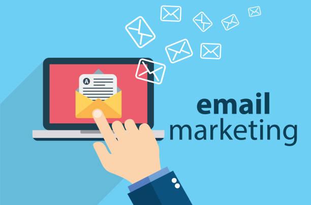 stockillustraties, clipart, cartoons en iconen met e-mailmarketing - versturen