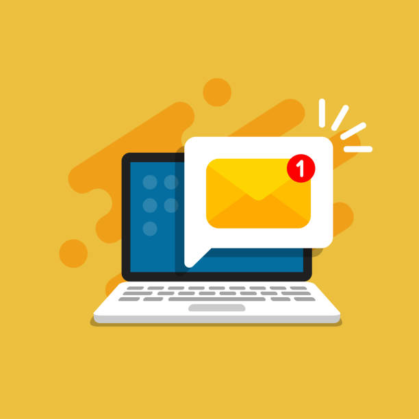 bildbanksillustrationer, clip art samt tecknat material och ikoner med e-postmeddelande på skärmen i laptop. meddelande påminnelse koncept. nyhetsbrev på dator. vektor illustration i platt stil. - laptop