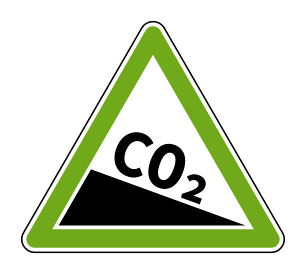 bildbanksillustrationer, clip art samt tecknat material och ikoner med co2-utsläppsminskning sign grön triangulär form - co2