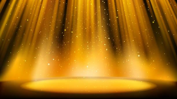 暗い背景を持つ空の金色のシーン、明るい金色のスポットライトで照らされた場所、光沢のある輝く粒子。キャッチーなデザインのためのカラフルアンバー背景 - glitter curtain点のイラスト素材/クリップアート素材/マンガ素材/アイコン素材