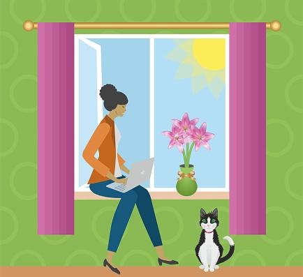 Aproveite para trabalhar em casa. Mulher com laptop sentado na janela. Ilustração vetorial.