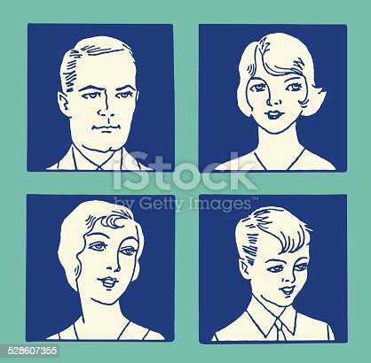 istock Family of Four in Photos 528607355