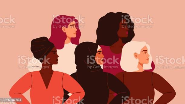 Cinq Femmes De Nationalités Et De Cultures Différentes Se Tiennent Ensemble Vecteurs libres de droits et plus d'images vectorielles de Adolescent