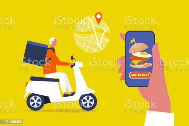 음식 배달 서비스 모바일 응용 프로그램 모터 자전거를 타고 큰 배낭과 젊은 남성 택배 플랫 편집 가능한 벡터 일러스트 클립 아트 가방에 대한 스톡 벡터 아트 및 기타 이미지