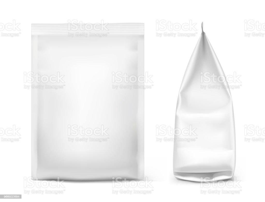 Essen-Snack-Beutel isoliert auf weißem Hintergrund. Vorder- und Seitenansicht anzeigen. - Lizenzfrei Aluminium Vektorgrafik