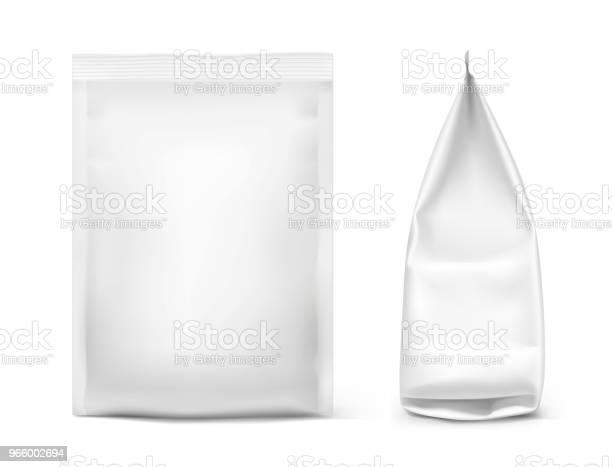 Essensnackbeutel Isoliert Auf Weißem Hintergrund Vorder Und Seitenansicht Anzeigen Stock Vektor Art und mehr Bilder von Aluminium