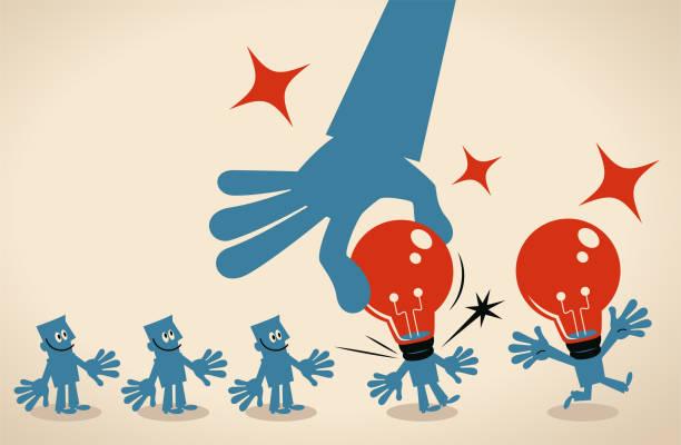 bildbanksillustrationer, clip art samt tecknat material och ikoner med giant hand installerar en idé glödlampa huvud för grupp affärsmän som väntar i rad - changing bulb led