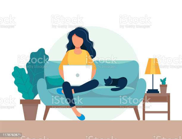 Meisje Met Laptop Zittend Op De Stoel Freelance Of Studeren Concept Leuke Illustratie In Platte Stijl Stockvectorkunst en meer beelden van Bedrijfsleven