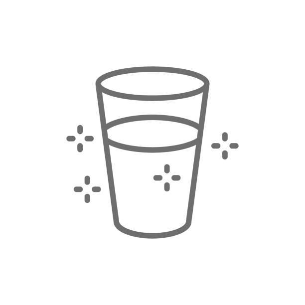 물 라인 아이콘의 유리. 흰색 배경에 고립 - 유리잔 stock illustrations