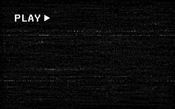 ilustrações, clipart, desenhos animados e ícones de efeito vhs glitch. molde velho da câmera. linhas horizontais brancas no fundo preto. textura de rebobinamento de vídeo. sem conceito de sinal. distorções abstratas aleatórias. ilustração do vetor - fita cassete