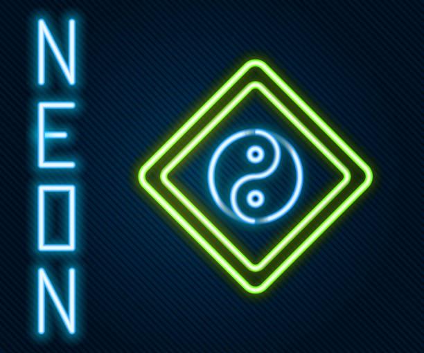 ilustraciones, imágenes clip art, dibujos animados e iconos de stock de línea de neón brillante yin yang símbolo de armonía e icono de equilibrio aislado sobre fondo negro. concepto de contorno colorido. ilustración vectorial - yin yang symbol