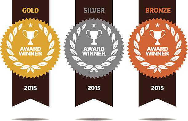 złoto, srebro i brąz medale zwycięzca - przypinka stock illustrations