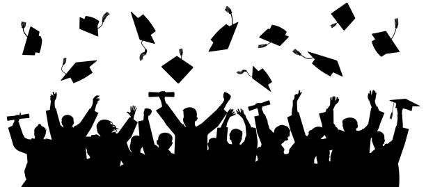 ilustraciones, imágenes clip art, dibujos animados e iconos de stock de se graduó en la universidad, de colegio. multitud de graduados en mantillas, mantas encima de las tapas de la plaza académicas. vector de silueta de gente alegre - graduación