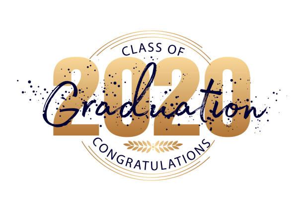 bildbanksillustrationer, clip art samt tecknat material och ikoner med examensetikett. vektortext för examensdesign, gratulationsevent, fest, high school eller högskoleexamen. brevklass 2020 för hälsning, inbjudningskort - klassrum