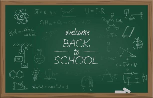 ilustrações, clipart, desenhos animados e ícones de lousa de escola verde com giz o texto bem-vindo de volta à escola e escola diferentes símbolos. ilustração em vetor. - aula de ciências