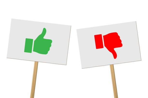 bildbanksillustrationer, clip art samt tecknat material och ikoner med gröna fingrar upp och red tummen ner tecken på banners på trästavar. vector protest tecken med tummen upp och röd tumme ner symboler isolerad på vit bakgrund. - wood sign isolated