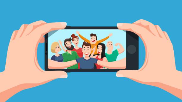 gruppe selfie auf smartphone. foto portrait of freundlich jugendmannschaft, machen sie freunde fotos auf handy-kamera-cartoon-vektor-illustration - selfie stock-grafiken, -clipart, -cartoons und -symbole