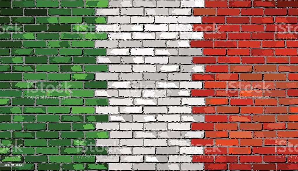 Bandeira do Grunge de Itália em uma parede de tijolo - ilustração de arte vetorial