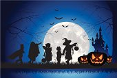 istock Halloween Children Trick Or Treat 165738916