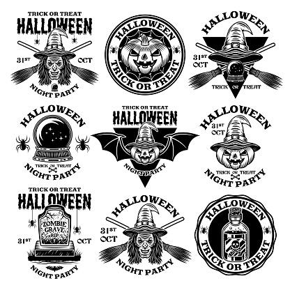 Conjunto de Halloween de nueve emblemas vectoriales, etiquetas, insignias o logotipos en estilo monocromo vintage aislados sobre fondo blanco