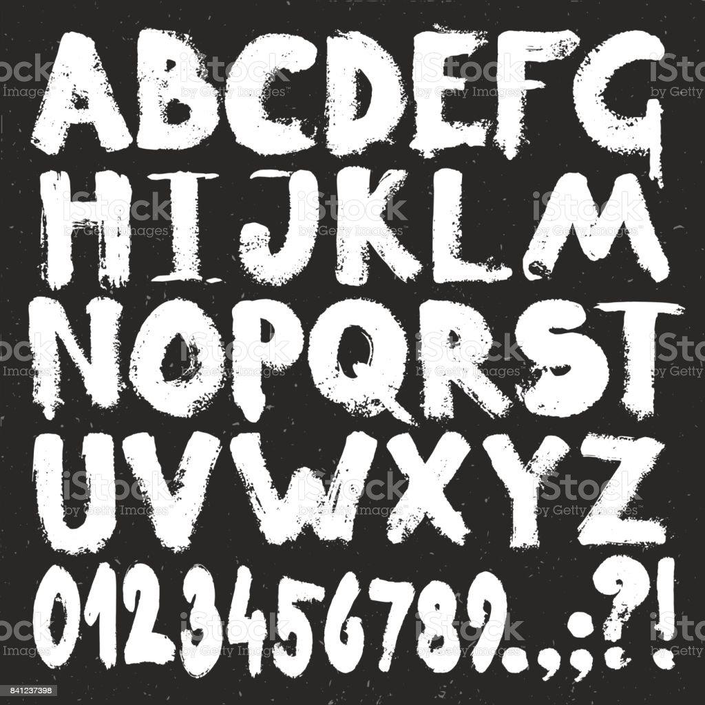 グランジ スタイルのアルファベットの手書き。白ペイント ブラシ テクスチャ文字と番号を設定 ベクターアートイラスト