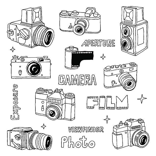 hand drawn-foto-kamera einstellen.  vektor-illustration. - mittelformatkamera stock-grafiken, -clipart, -cartoons und -symbole