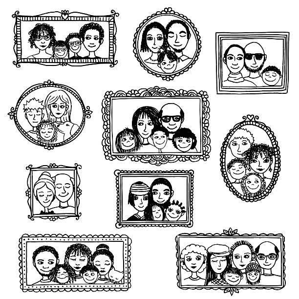 ilustraciones, imágenes clip art, dibujos animados e iconos de stock de mano dibujado cuadro marcos con familia retratos - marcos de garabatos y dibujados a mano