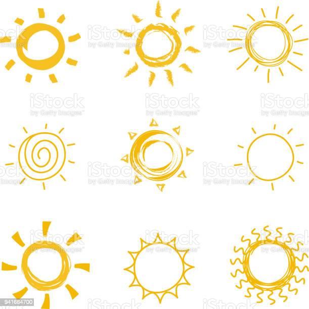Vetores de Mãoextraídas Coleção De Sol Brilhante Vetor De Calor De Verão Doodle Símbolos Do Sol e mais imagens de Abstrato