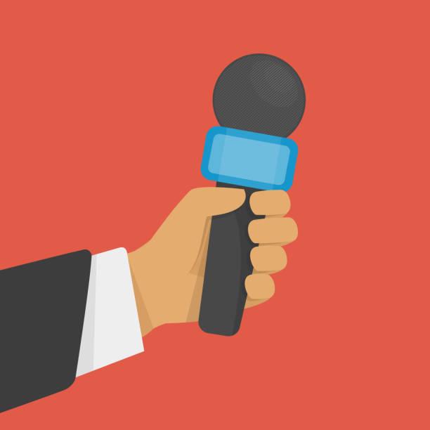 illustrations, cliparts, dessins animés et icônes de main tenant un microphone. - interview