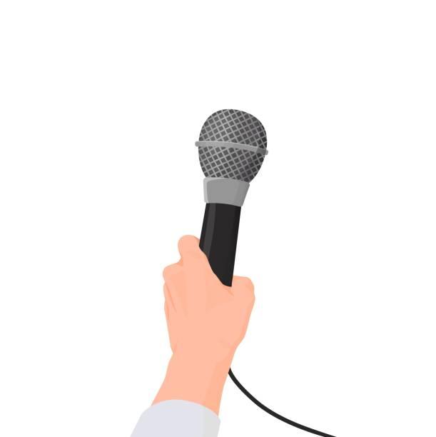 illustrations, cliparts, dessins animés et icônes de la main tient le microphone. entrevue à la première personne lors d'une conférence de presse. - interview