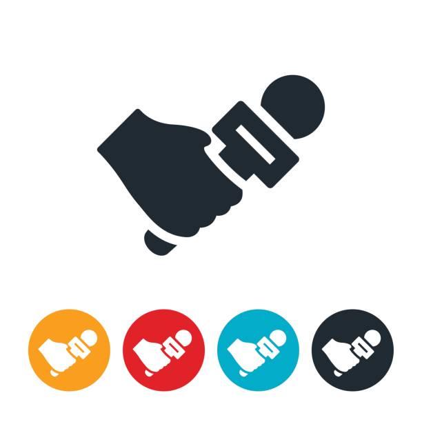 illustrations, cliparts, dessins animés et icônes de main avec icône microphone - interview
