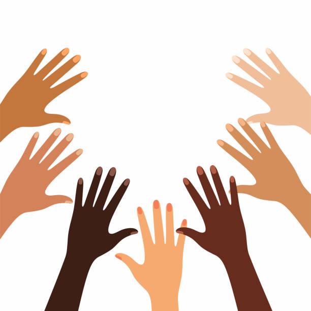 illustrazioni stock, clip art, cartoni animati e icone di tendenza di hands of different skin colors - interracial friendship - mano donna dita unite