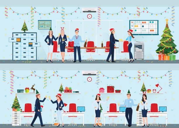 glückliche kollegen in nikolausmütze feiern weihnachten im büro. - firmenweihnachtsfeier stock-grafiken, -clipart, -cartoons und -symbole