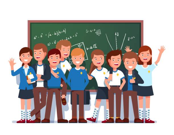 stockillustraties, clipart, cartoons en iconen met gelukkig studenten klasse groep staande voor bord met wiskundige formules en poseren samen. vlakke geïsoleerde vector - schooluniform