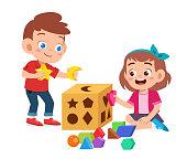 Ilustración de Feliz Lindo Juego De Niños Aprender Geometría 3d y ...