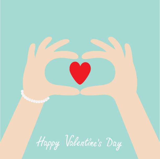 happy valentines tag. frau hände in form von herz. weibchen mit rotem herzformzeichen. flache design-stil. blauer hintergrund. - paararmbänder stock-grafiken, -clipart, -cartoons und -symbole