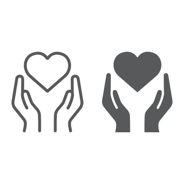 serce w rękach linii i ikona glifów, miłość i troska, ramiona ze znakiem serca, grafika wektorowa, liniowy wzór na białym tle. - ręka człowieka stock illustrations
