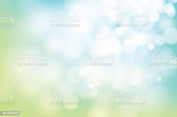 Hello Spring Green Bokeh Blur Abstract Background - Arte vetorial de stock e mais imagens de Abstrato