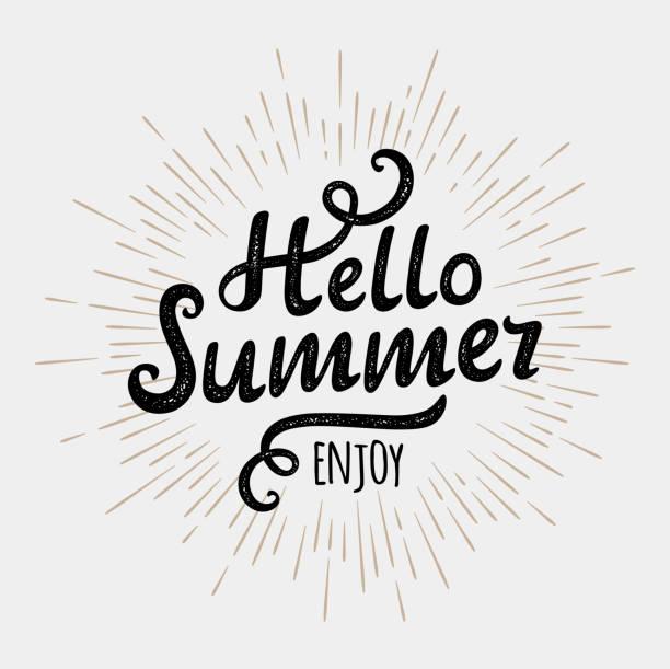 hallo sommer, typografischen aufschrift auf jahrgang monochrom sonne hintergrund - ferien  und feiertagssymbole stock-grafiken, -clipart, -cartoons und -symbole