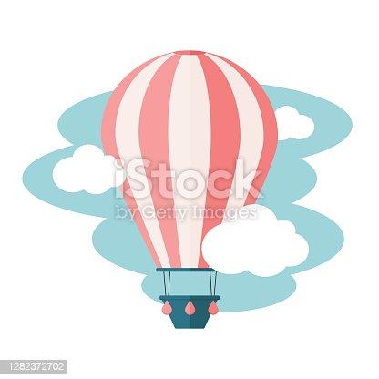 istock Hot air balloon 1282372702