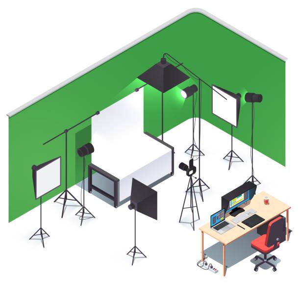 das hotel ist sehr zentral gelegen. fotokamera, lichter, ständer, weiß & grün choma schlüssel wichtigsten hintergrund setup, schießtisch, retusche-pc-schreibtisch. flache isometrische vektorabbildung - studio stock-grafiken, -clipart, -cartoons und -symbole