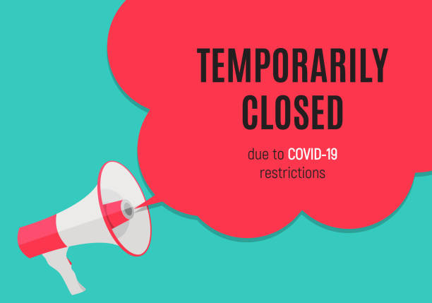 stockillustraties, clipart, cartoons en iconen met informatiewaarschuwing tijdelijk gesloten teken van coronavirus nieuws. vectorillustratie - dicht