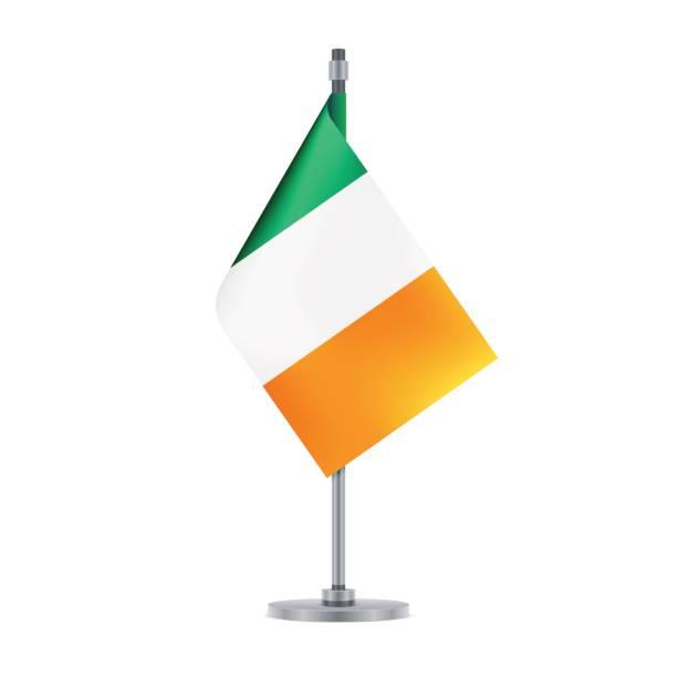 ベクトル図、金属ポールに掛かっているアイルランドの旗 - アイルランドの国旗点のイラスト素材/クリップアート素材/マンガ素材/アイコン素材